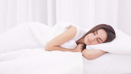 Esta es la mejor postura para dormir