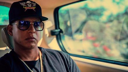 Daddy Yankee entrega ayuda a damnificados de huracán María en Puerto Rico