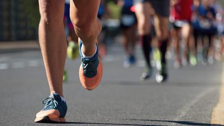 Consuma proteínas y carbohidratos para una maratón exitosa