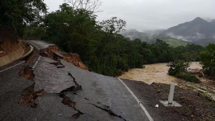 Casas colapsadas y carreteras destruidas por fuertes lluvias en Lamas