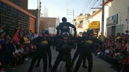 Robocops de la Policía de Chiclayo fueron la atracción en aniversario de Chepén