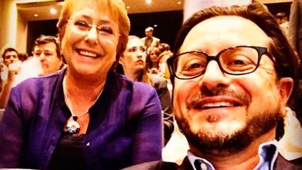 Bachelet fue a la titulación de su hija 'como madre' y rechazó trato de presidenta
