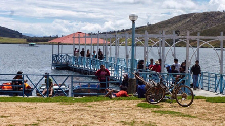 Huamachuquinos visitan lugares turísticos tras celebrar el triunfo peruano