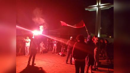 Trujillo: Con banderazo y marcha hinchas continúan festejo por clasificación