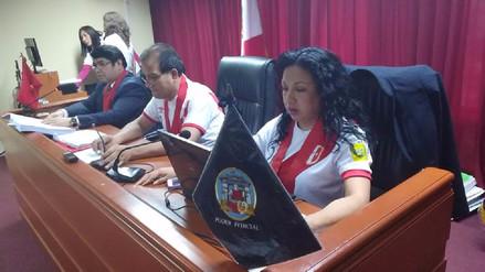 Jueces dictaron sentencia vestidos con la camiseta de la Selección Peruana