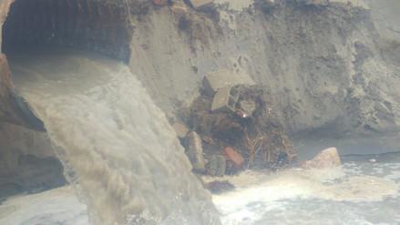 Fuerte oleaje causó el colapso de tubería de desagüe en Víctor Larco