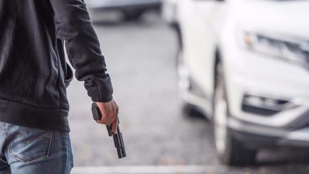 ¿Cómo actuar si te asaltan con una pistola?