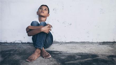 La pobreza afecta el cerebro de los niños