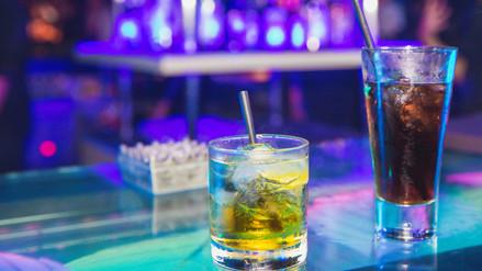 Energizantes y alcohol, una mezcla que puede llevar a la muerte