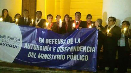Realizan vigilia para respaldar a fiscal de la Nación Pablo Sánchez