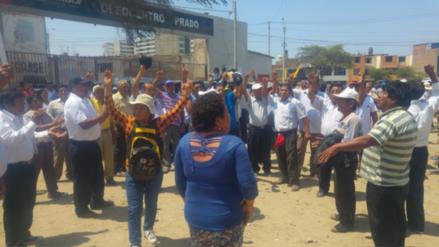Agricultores protestan exigiendo al gobierno la compra de frijol caupi