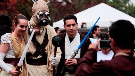 Star Wars: personajes toman universidad de Quito para batir un récord Guinness