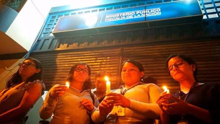 Fiscales realizaron vigilia de apoyo a Pablo Sánchez en sede del Ministerio Público
