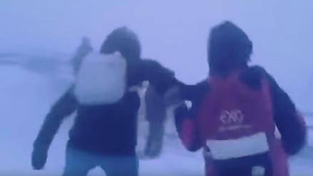 Así es el duro camino de regreso a casa de un escolar en Siberia