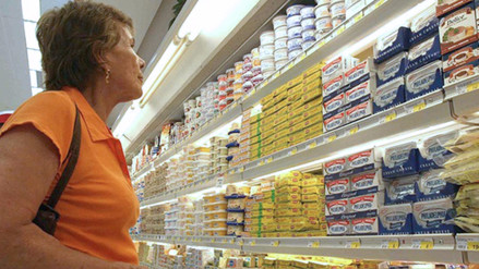 Indecopi lanzó campaña para motivar a leer las etiquetas antes de comprar un producto