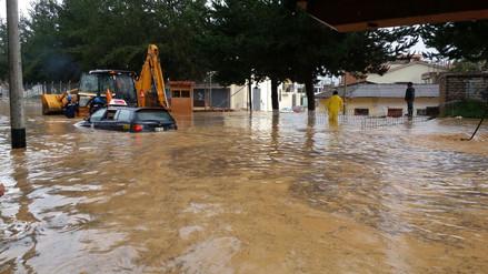 Intensa lluvia provocó inundaciones en el distrito de Baños del Inca