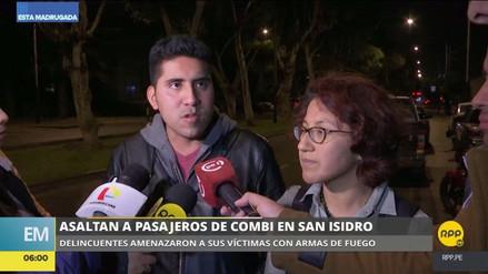 Delincuentes asaltaron a los pasajeros de una combi en San Isidro