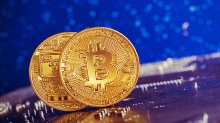 El bitcóin supera por primera vez los 10,000 dólares