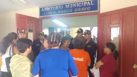 Obreros de Leonardo Ortiz protestaron durante ceremonia de aniversario