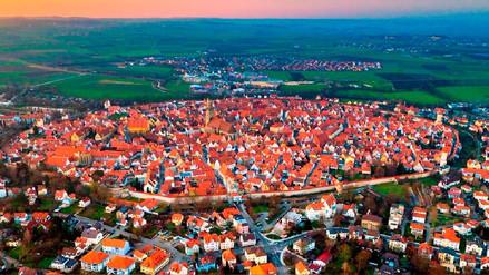 Nördlingen, la ciudad alemana construida con toneladas de diamantes dentro de un cráter
