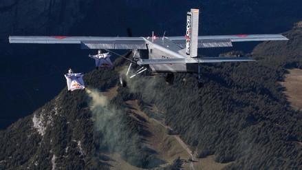 Video| Deportistas logran ingresar a avioneta a 4 mil metros de altura