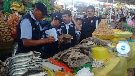 Chimbote: decomisan productos hidrobiológicos en mal estado en mercado
