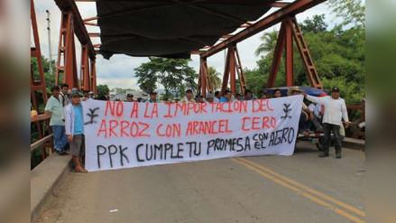 Productores arroceros bloquean Cruce Chamaya en Jaén