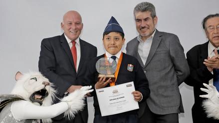 Escolar de Moquegua ganó concurso de cuento turístico al Perú