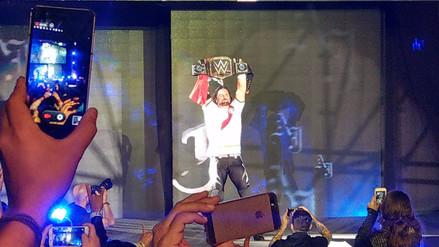 AJ Styles derrotó a Jinder Mahal y celebró con la camiseta de la Selección Peruana