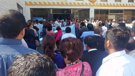 Trabajadores municipales de Chiclayo paralizan labores por falta de pagos