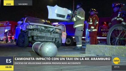 Un violento choque se registró en la avenida Aramburú