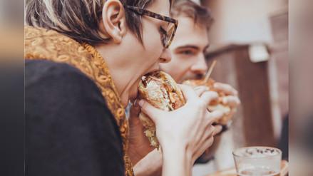 ¿Comes muy rápido? Tu salud podría estar en peligro