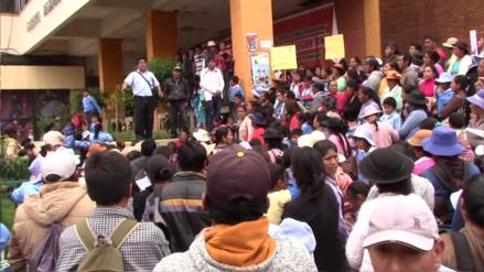 Huancayo: padres exigen retiro de directora ante gobierno regional