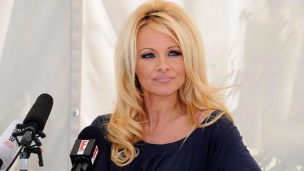 Pamela Anderson causa polémica por criticar a víctimas de acoso sexual