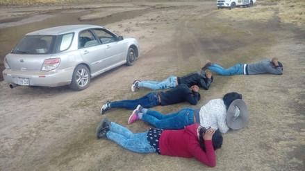 Detienen a cinco ladrones de vehículo tras persecución en Puno