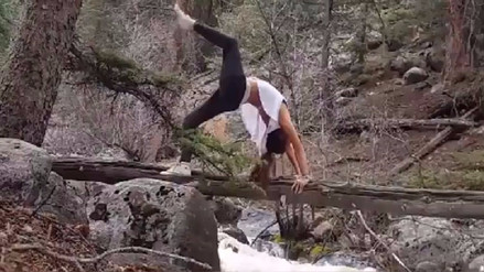 Video | Practicó yoga en el lugar menos apropiado y por poco muere ahogada