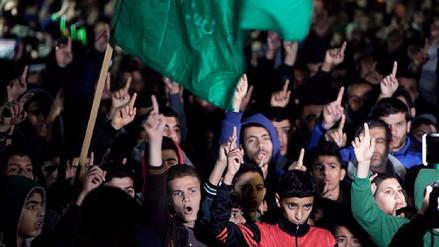 Miles de palestinos salen a las calles para protestar contra la decisión de Trump sobre Jerusalén