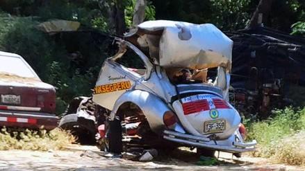 Choque entre bus y auto deja dos muertos en vía Piura - Chulucanas