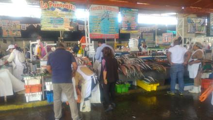 Se reduce precio del pescado en terminal de Arequipa