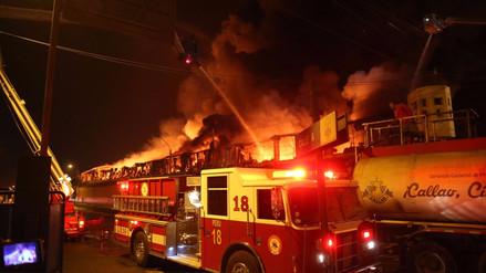 Un incendio consumió taller pirotécnico clandestino en Chosica