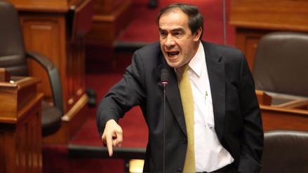Yohny Lescano renunció a la Comisión de Ética