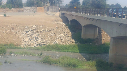 Hallan construcciones ilegales en cauce del río Moche