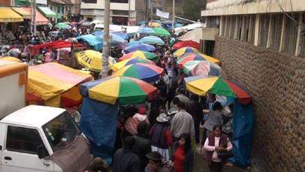 Huancayo: ordenan a comerciantes informales por fiestas de fin de año