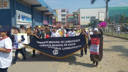 Chiclayo: con pasacalle le dicen No a la venta ilegal de medicamentos