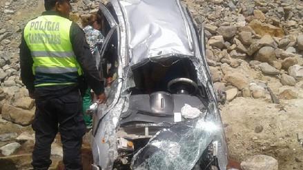 Dos muertos dejó despiste de auto en Mórrope