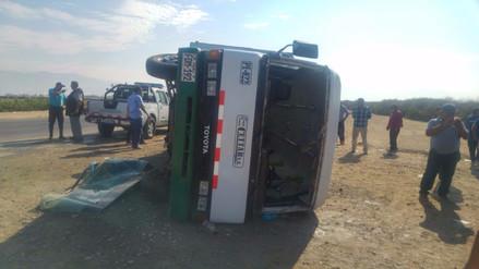 Un muerto y 27 heridos dejó accidente en la carretera Panamericana Sur