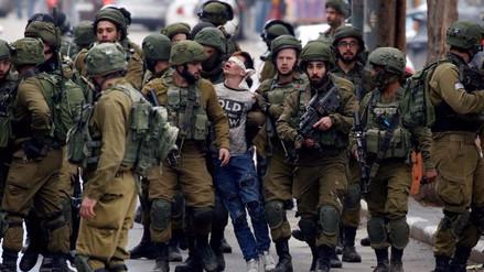 La detención de un niño palestino por soldados de Israel que indigna al mundo