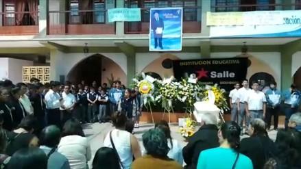 Abancay: amigos y familiares rindieron homenaje a joven asesinado en San Marcos