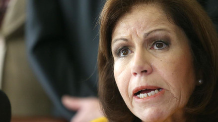 """Lourdes Flores: """"PPK tiene el deber de explicar y el Parlamento, de escuchar"""""""