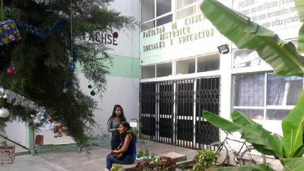 Docentes toman facultad por falta de pagos en Universidad Pedro Ruiz